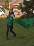 Το Cosplayer έντυσε ως χαρακτήρα την κυρία Loki από τους εκδηκητές Στοκ Φωτογραφία