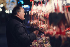 Το cWho λέει ότι τα γλυκά είναι για τα παιδιά μόνο; Στοκ εικόνα με δικαίωμα ελεύθερης χρήσης