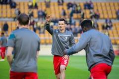 Το Dejan Lovren θερμαίνει πριν από τη ημιτελική αντιστοιχία ένωσης της Ευρώπης μεταξύ Villarreal του ΘΦ και του Λίβερπουλ FC στο  Στοκ εικόνα με δικαίωμα ελεύθερης χρήσης