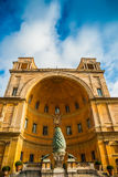 Το della Pigna Fontana (η πηγή κώνων πεύκων Στοκ Εικόνα