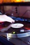 Το DJ γρατσουνίζει Στοκ Φωτογραφίες