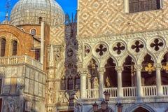 Το Doge ` s παλάτι και ο καθεδρικός ναός του SAN Marco, Βενετία, Ιταλία στοκ εικόνες