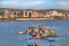 Το Duluth είναι ένας δημοφιλής τόπος προορισμού τουριστών ανώτερο Midwest επάνω στοκ φωτογραφία