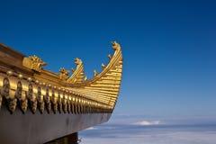 το emei κινηματογραφήσεων σε πρώτο πλάνο χρυσό επικολλά το παλάτι Στοκ Εικόνα