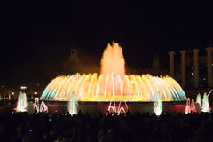 Το Fontaine σε άλλο χρωματίζει στοκ φωτογραφίες