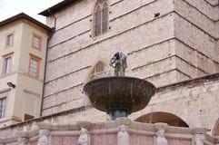 Το Fontana maggiore στην Περούτζια στην Τοσκάνη στην Ιταλία Στοκ Εικόνες