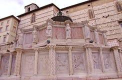 Το Fontana maggiore στην Περούτζια στην Τοσκάνη στην Ιταλία Στοκ φωτογραφία με δικαίωμα ελεύθερης χρήσης