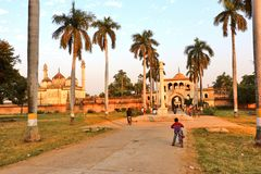 Το Gulab Μπάρι σε Faizabad όπου ο τάφος του shuja-ud-Daula Nawab το τρίτο Nawab Awadh, βρίσκεται στοκ εικόνες