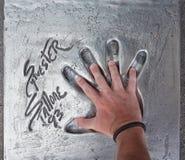 Το Handprint Sylvester Stallone έθεσε το 1993 κατά τη διάρκεια των Καννών Fi στοκ φωτογραφία με δικαίωμα ελεύθερης χρήσης