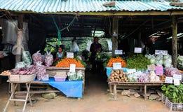 Το Hmong πραγματοποιεί μια πώληση , φυλετικό Hmong πραγματοποιεί μια πώληση στην αγορά βουνών Στοκ Φωτογραφίες