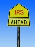 Το IRS ταχυδρομεί μπροστά το σημάδι Στοκ Εικόνα