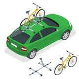 Το Isometric αυτοκίνητο μεταφέρει τα ποδήλατα στη στέγη Μεταφορά ποδηλάτων Επίπεδη διανυσματική απεικόνιση ύφους που απομονώνεται Στοκ εικόνα με δικαίωμα ελεύθερης χρήσης