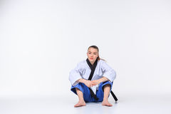 Το karate κορίτσι με τη μαύρη ζώνη Στοκ Εικόνες