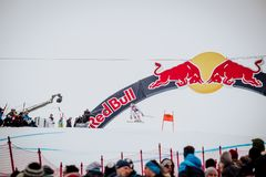 Το Kitzbà ¼ hel Hahnenkamm κάνει σκι προς τα κάτω φυλή στοκ εικόνα