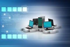 Το lap-top και ο κεντρικός υπολογιστής συνδέουν στους γρίφους Στοκ Εικόνες