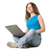 το lap-top κοριτσιών πατωμάτων κά&th Στοκ εικόνα με δικαίωμα ελεύθερης χρήσης