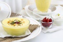 Το Lassi γλυκό πίνει τα τρόφιμα Στοκ Εικόνες