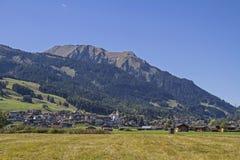 Το Lermoos είναι ένας προορισμός διακοπών στο χώρο Zugspitz στοκ φωτογραφία με δικαίωμα ελεύθερης χρήσης