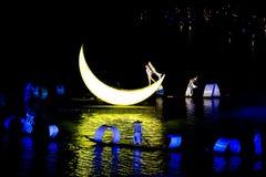 Το Lui Sanjie, Yangshuo, Κίνα, υπαίθριο γεγονός με ελαφρύ παρουσιάζει, μουσική, χορός