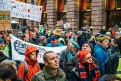Το Marche χύνει την επίδειξη διαμαρτυρίας LE Climat Μάρτιος στο γαλλικό stre στοκ εικόνα