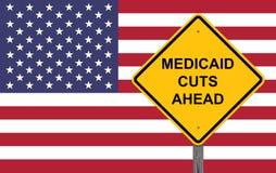 Το Medicaid κόβει μπροστά το προειδοποιητικό σημάδι στοκ φωτογραφία με δικαίωμα ελεύθερης χρήσης