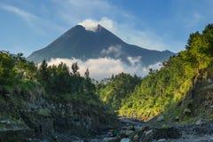 Το Merapi τοποθετεί Στοκ Εικόνες