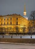 Το Mikhailovsky Castle γνωστό επίσης ως μηχανικός Castle Πετρούπολη Ρωσία ST Φωτογραφία νύχτας στοκ φωτογραφία με δικαίωμα ελεύθερης χρήσης