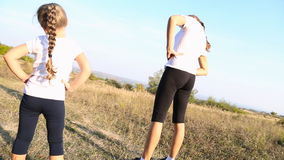 Το Mom και η κόρη συμμετέχουν στην ικανότητα φιλμ μικρού μήκους