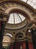 Το National Gallery που βρίσκεται UK στη πλατεία Τραφάλγκαρ ΛΟΝΔΙΝΟ, - 2 Αυγούστου 2017: Καλυμμένη δια θόλου στέγη που διαμορφώνε στοκ φωτογραφίες