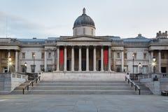 Το National Gallery που ενσωματώνει τα ξημερώματα στο Λονδίνο Στοκ Φωτογραφίες
