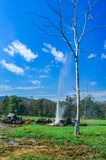 Το Onsen καλά με το υπόβαθρο το καυτό ελατήριο, ` SAN Kamphaeng ` είναι μια περιοχή της επαρχίας Chiang Mai στη βόρεια Ταϊλάνδη στοκ φωτογραφίες