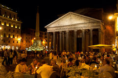 Το Pantheon τη νύχτα στις 8 Αυγούστου 2013 στη Ρώμη, Ιταλία. Στοκ Εικόνες