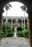 Το patio ενός αποικιακού σπιτιού Plaza de Armas στην παλαιά Αβάνα Στοκ Φωτογραφίες