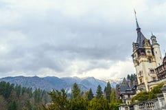 Το Peles Castle από Sinaia Ρουμανία, Καρπάθια βουνά Στοκ εικόνα με δικαίωμα ελεύθερης χρήσης