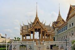 Το Phra Thinang Aphorn Phimok Prasat - μεγάλο παλάτι στη Μπανγκόκ, Στοκ φωτογραφία με δικαίωμα ελεύθερης χρήσης