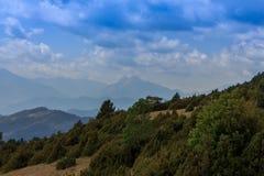 Το Piedraforca με τα μεγάλα σύννεφα ανωτέρω Στοκ Εικόνες