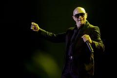 Το Pittbul αποδίδει στη ζωντανή συναυλία στην Τζακάρτα στοκ εικόνα με δικαίωμα ελεύθερης χρήσης