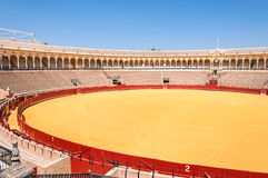 Το Plaza de toros - χώρος ταυρομαχίας στη Σεβίλη Στοκ φωτογραφία με δικαίωμα ελεύθερης χρήσης
