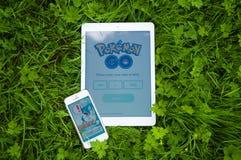 Το Pokemon πηγαίνει στο iPhone και iPad Στοκ Εικόνες