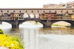 Το Ponte Vecchio (παλαιά γέφυρα) στη Φλωρεντία, Ιταλία Στοκ Εικόνες