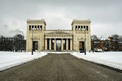 Το Propylaea γερμανικά: Πύλη πόλεων Propyläen στο Μόναχο, Γερμανία Στοκ φωτογραφίες με δικαίωμα ελεύθερης χρήσης