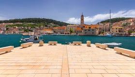 Το Pucisca είναι μικρού χωριού στο νησί Brac, δημοφιλής τουριστικός προορισμός στην αδριατική θάλασσα, Κροατία Πόλης νησί Pucisca στοκ φωτογραφίες