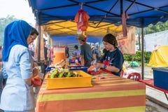 Το Ramadan Bazaar καθιερώνεται για μουσουλμάνο για να σπάσει γρήγορα κατά τη διάρκεια του ιερού μήνα Ramadan Στοκ Εικόνες