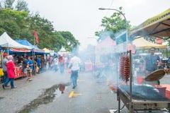 Το Ramadan Bazaar καθιερώνεται για μουσουλμάνο για να σπάσει γρήγορα κατά τη διάρκεια του ιερού μήνα Ramadan Στοκ εικόνα με δικαίωμα ελεύθερης χρήσης