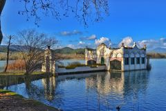 το retiro Σεβίλλη Ισπανία πάρκων της Μαδρίτης λιμνών σπιτιών de glorieta Στοκ Φωτογραφίες