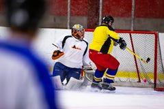 Το Rinkball είναι ένας αθλητισμός παρόμοιος με το χόκεϋ πάγου - ΚΥΡΙΟ ΆΡΘΡΟ στοκ φωτογραφίες