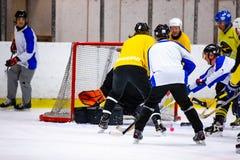 Το Rinkball είναι ένας αθλητισμός παρόμοιος με το χόκεϋ πάγου - ΚΥΡΙΟ ΆΡΘΡΟ στοκ φωτογραφία με δικαίωμα ελεύθερης χρήσης