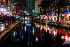 Το Riverwalk στο San Antonio, Τέξας, τη νύχτα Στοκ Εικόνα