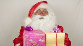 Το Santa δίνει τα δώρα απόθεμα βίντεο