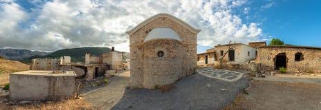 Το Sfentyli είναι ένα εγκαταλειμμένο χωριό που βυθίζει κάθε χειμώνα όταν το φράγμα Aposelemi παίρνει γεμισμένο με το νερό, Κρήτη Στοκ Εικόνα
